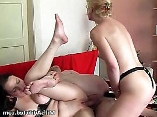 Two horny sluts enjoy in pussy eating