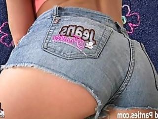 Tiny blonde teen Carolina in tight jeans