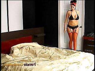 Stunning domina Gianna Michaels enjoys using her whip on her horny man