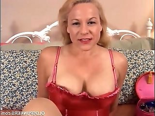 Beautiful blonde is a squirter